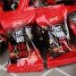 金冠蜜姜�t糖 黑糖�梅味散�Q休�e零食糖果喜糖零售批�l20斤/箱